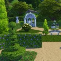 Le Castelet - vue rapproch�e de la partie gauche du jardin